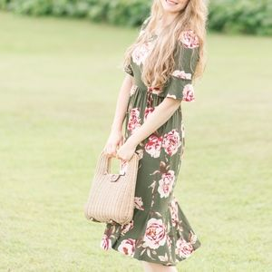 🌸1 LEFT🌸Floral Olive Ruffle Sleeve Dress